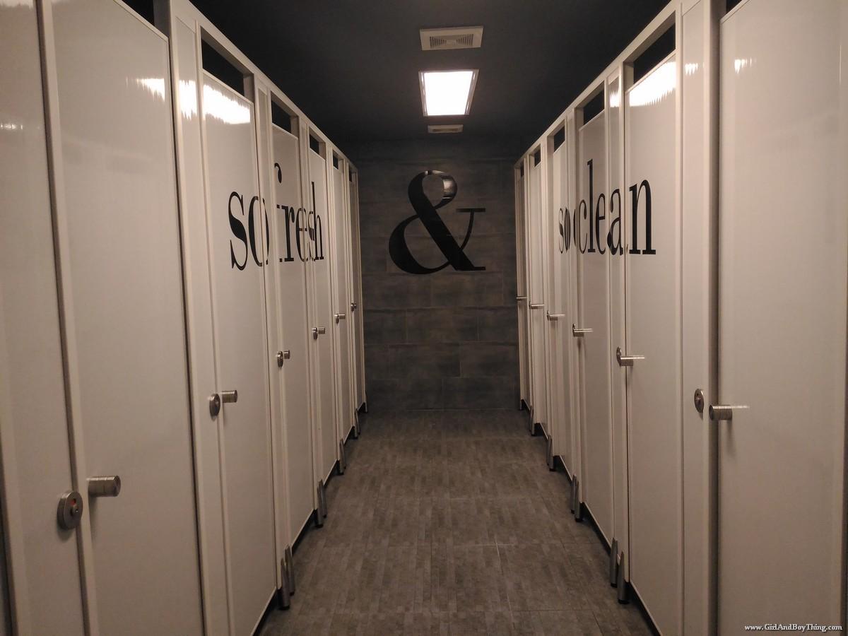 Space EDSA Shower room (2)