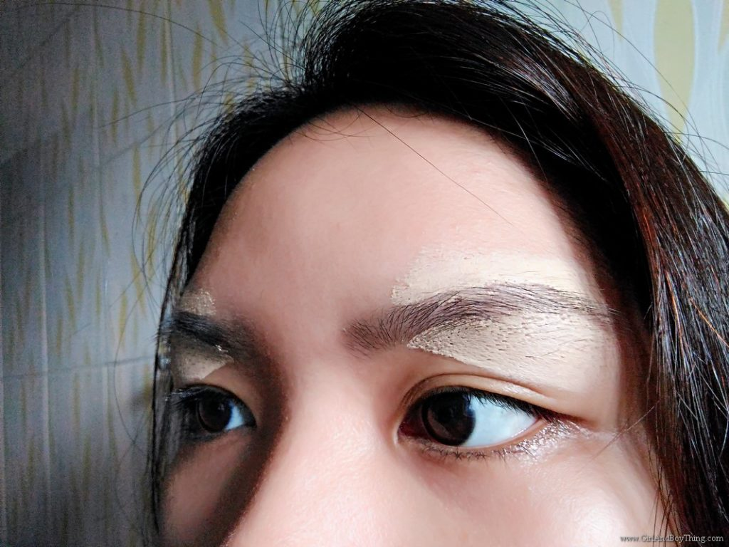 How To Shave Eyebrows For Beginners (1)