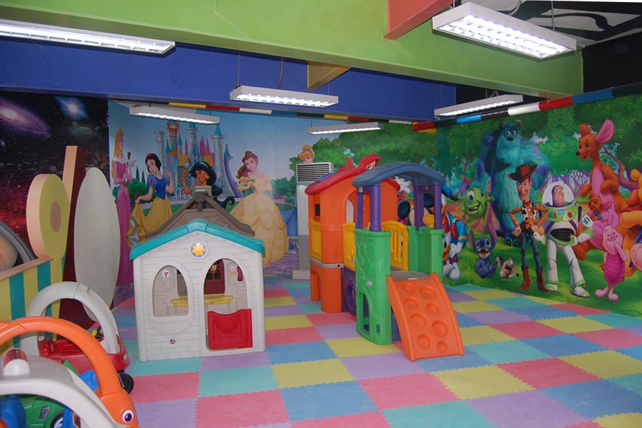centennial-garden-indoor-and-outdoor-playground-2