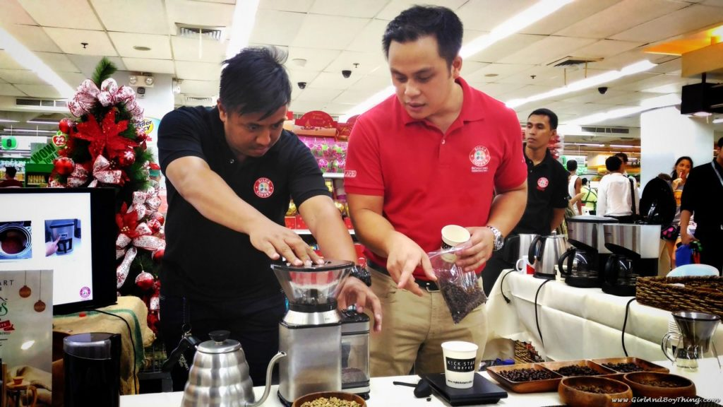 robinsons-supermarket-coffee-fest-silca-coffee-grinding