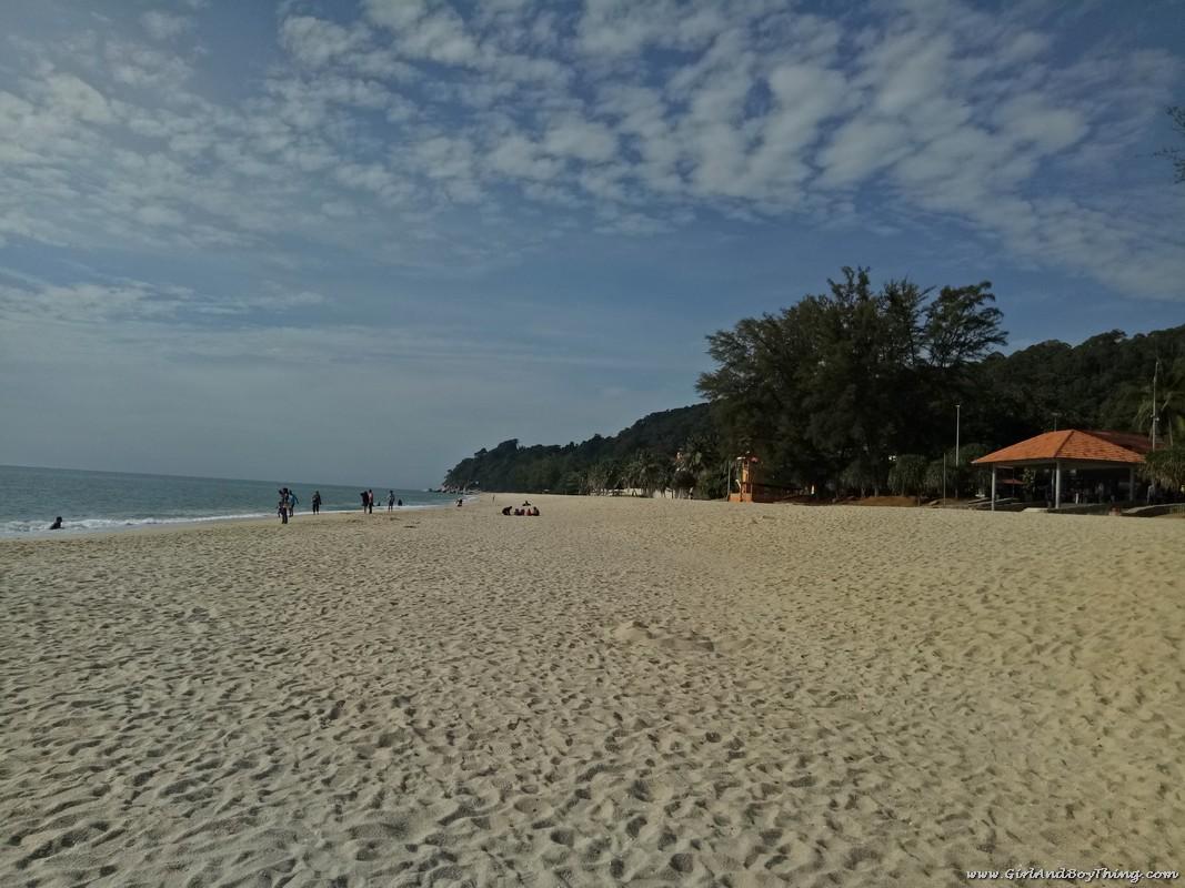teluk-chempedak-beach-kuantan-pahang-2