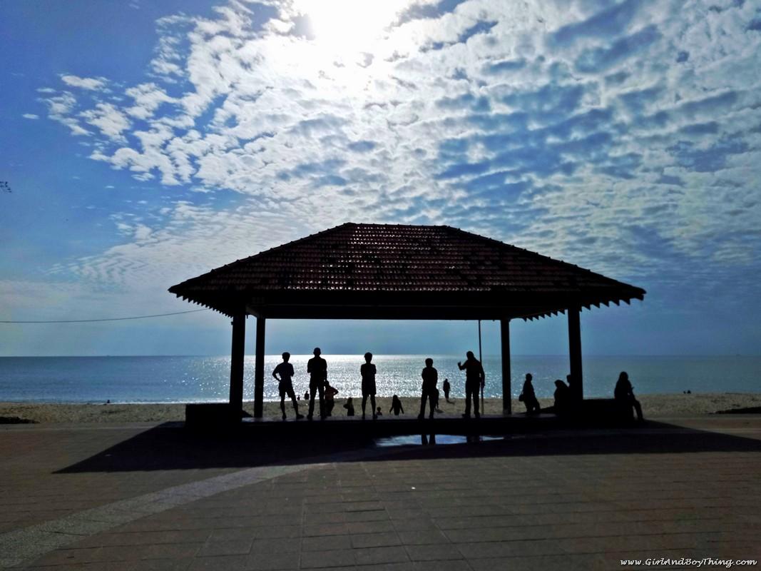 teluk-chempedak-beach-kuantan