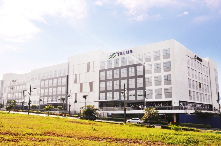TELUS House McKinley West brings workspaces to the next level