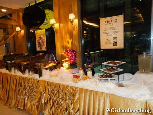 """Dine & Experience """"Buffet ala Figaro"""" Style"""