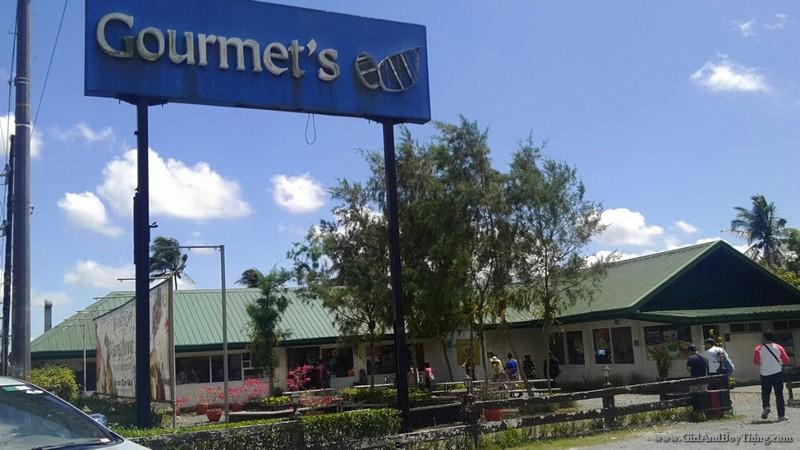 Gourmet Farms facade